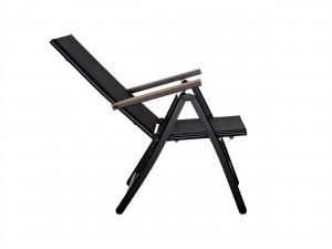 svart trädgårdsstol med armstöd i teak och konstrotting